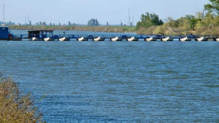Barricata ponte barche